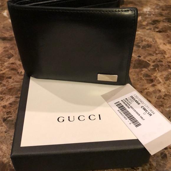9200e34c601 Gucci Other - Men s Gucci Wallet.